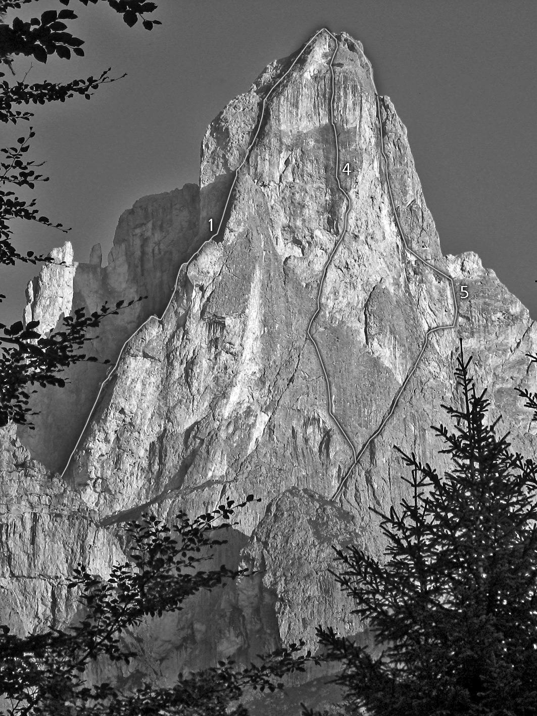 Sass Maòr, la supermatita delle Dolomiti Sass_maor_parete_est_e_sud_est_-_foto_marco_cabbia
