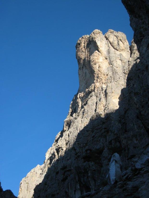 Il pilastro dei finanzieri, Cima dei Lastei (foto Francesco Lamo)
